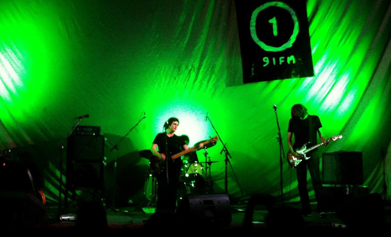 S'il est aujourd'hui en déclin, le Dunedin Sound continue de survivre au travers de quelques groupes. Le style musical est un mélange original de punk, pop et rock.