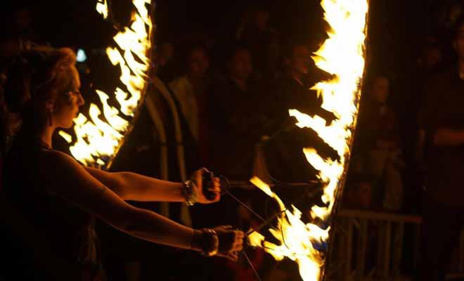 La fin des cours donne le signal de nombreux festivals et autres fêtes étudiantes. Mais la ville est néanmoins animée toute l'année.