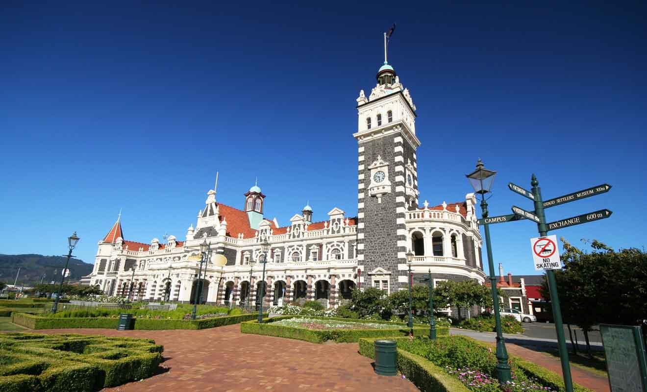 La gare de Dunedin est l'un des monuments les plus célèbres du pays.