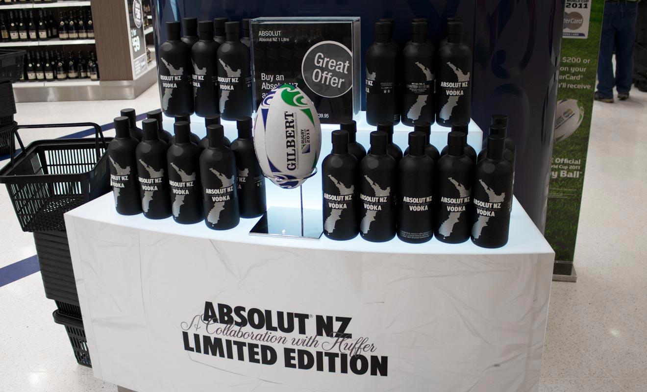 Contrairement à la France, la Nouvelle-Zélande ne rembourse pas la TVA à l'aéroport. Seule la zone en duty-free propose des articles souvenirs en détaxe.