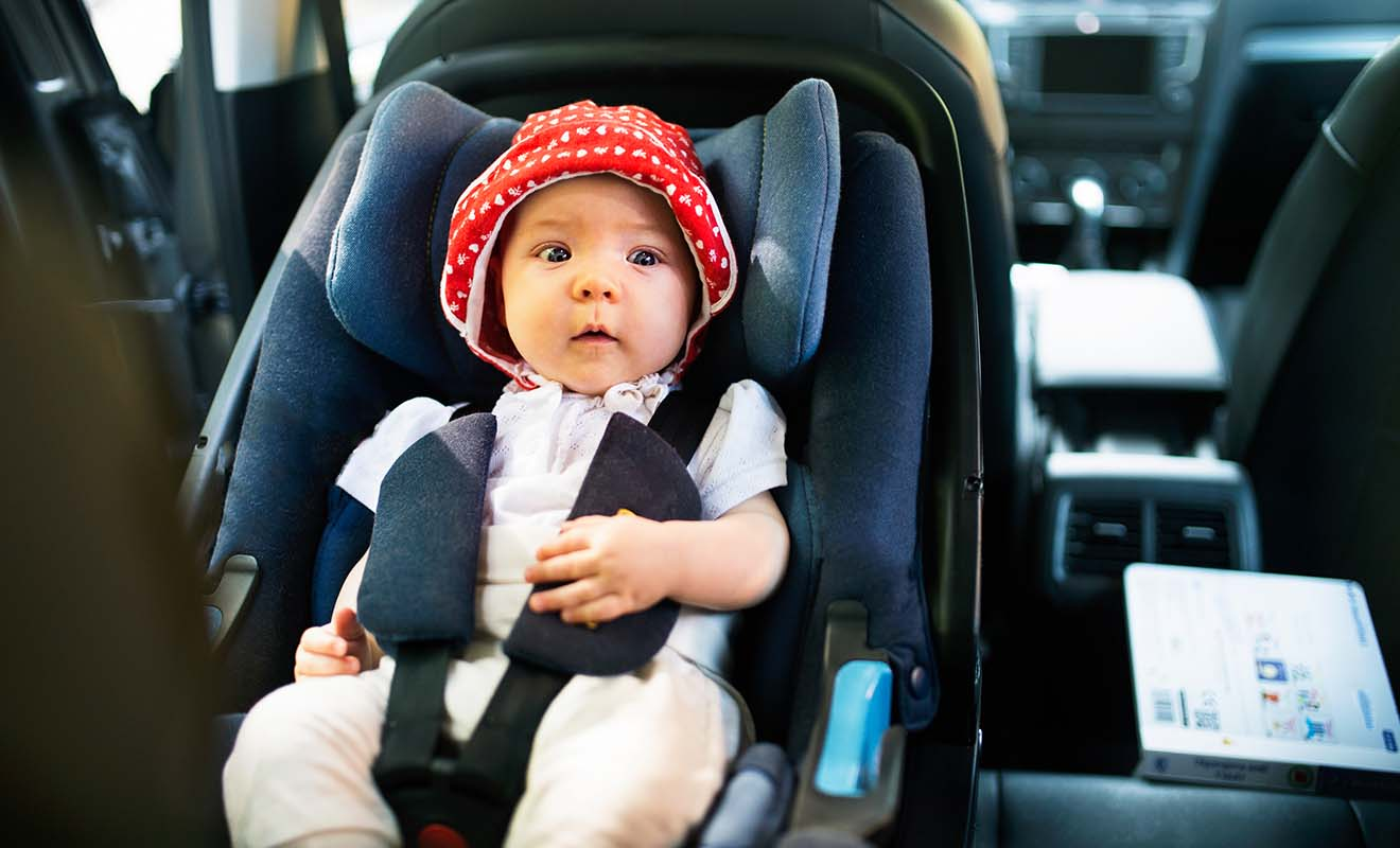 La Loi néo-zélandaise impose l'usage de sièges bébés adaptés et vous pourrez en louer auprès des agences de location de voiture ou de camping-car.