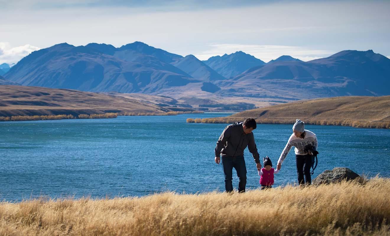 Contrairement à ce que prétendent certaines personnes, on peut parfaitement visiter la Nouvelle-Zélande avec un bébé.