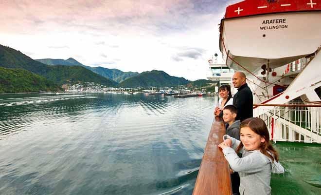 Les enfants adorent la traversée en ferry, surtout si le navire est immense et qu'il faut l'explorer.