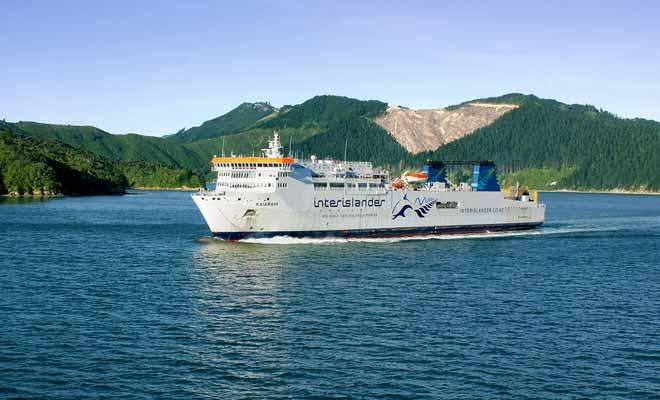 Embarquez à bord du Kaiarahi, le ferry le plus moderne de Nouvelle-Zélande.