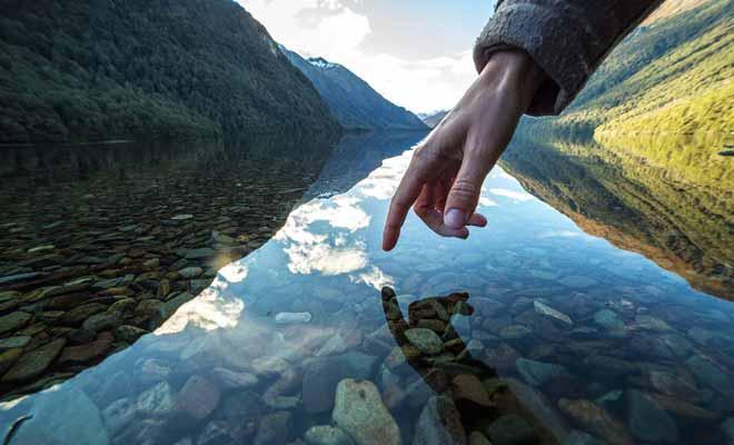 Certains touristes ne respectent pas l'environnement et leurs comportements commencent à agacer la population. Il faut être irréprochable.