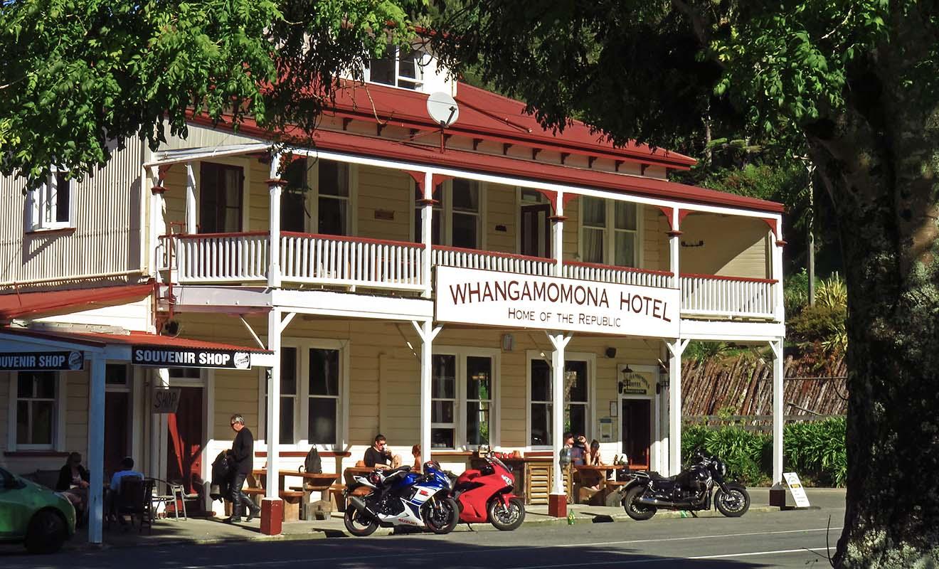Whangamomona a proclamé son indépendance, et même si elle n'est pas reconnue par le gouvernement néo-zélandais, cela n'empêche pas les habitants de célébrer leur propre fête nationale.