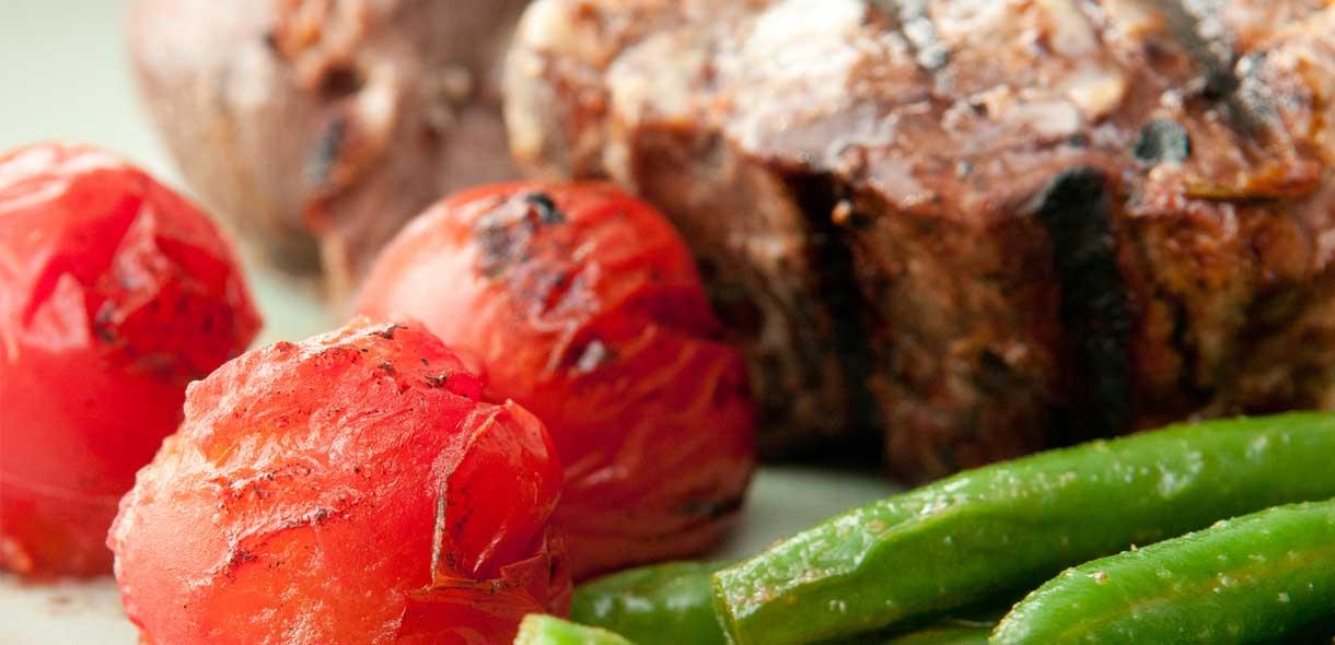Cuisine locale néo-zélandaise, Hangi et vins d'excellence.