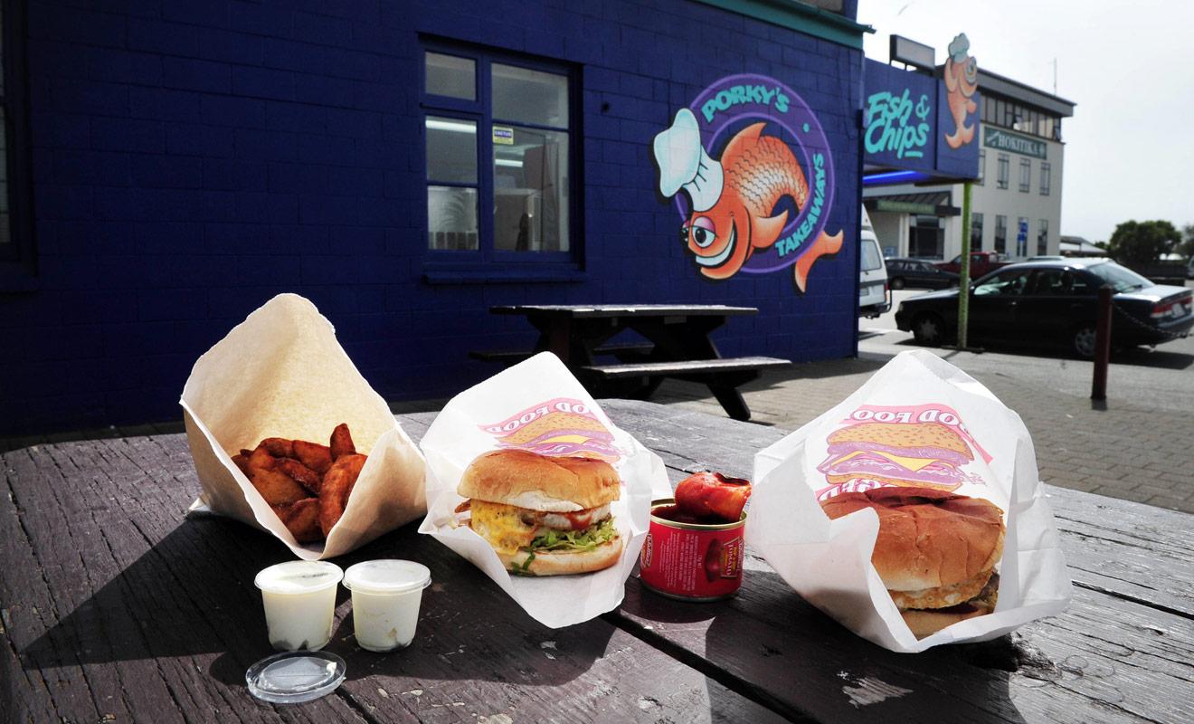 Une nourriture trop grasse après un long voyage en avion affaiblit l'organisme et procure une sensation de fatigue. Essayer de manger sainement, surtout durant les premiers jours en nouvelle Zélande.