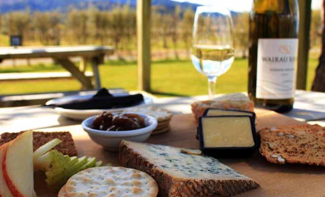 Si vous appréciez le bon vin, vous serez transporté au paradis en Nouvelle-Zélande où les grands crus n'ont rien à envier aux vins français.