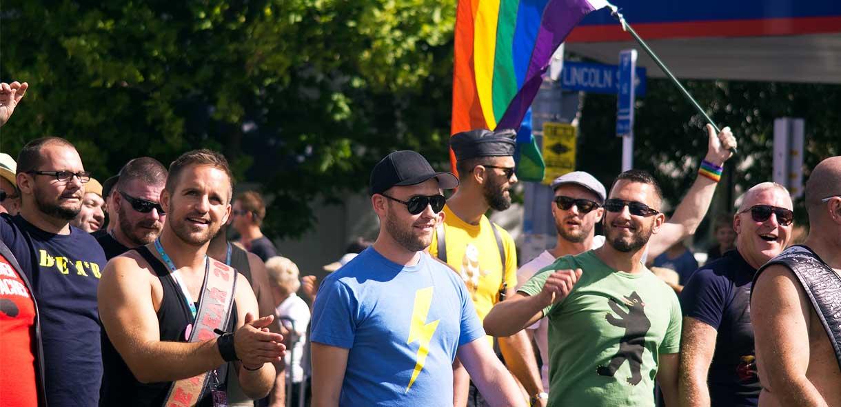 Venez participer à la Gay Pride dans tout le pays.