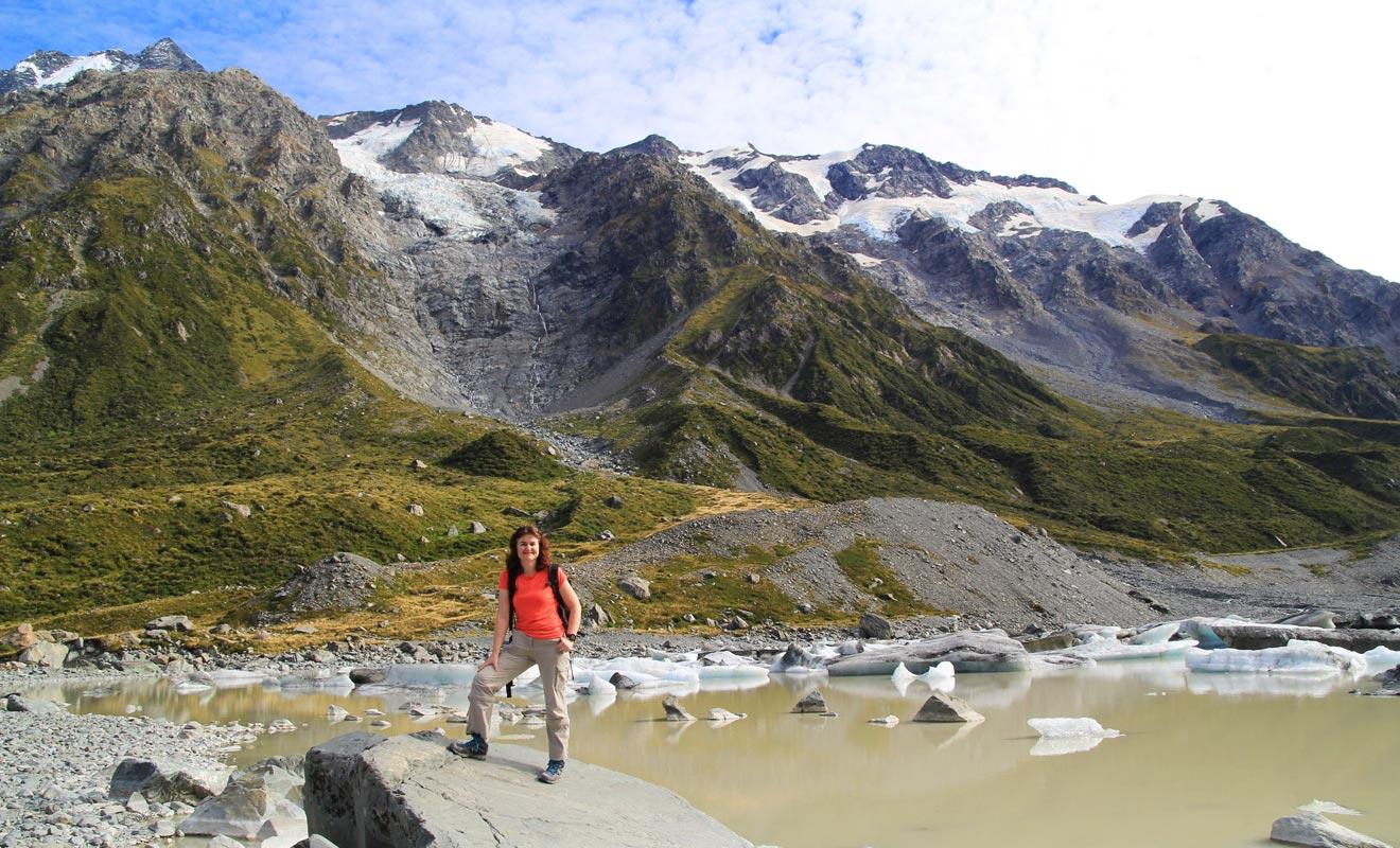 Si vous êtes de passage dans la région, ne manquez pas la visite du mont Cook et de ses glaciers. La période du printemps est fortement recommandée, car la vallée se couvre de fleurs magnifiques.