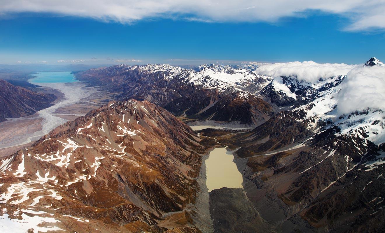 Le réchauffement climatique accélère la formation de lacs glaciaires. Certains descendent dans la vallée jusqu'au niveau de la mer !
