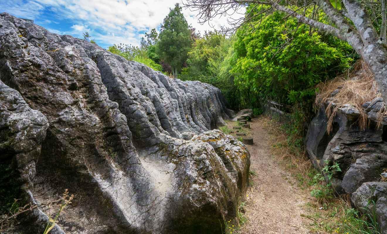 Vous pouvez même envisager de vous rendre au Labyrinth Rocks Park à pied en partant de Commercial Street.