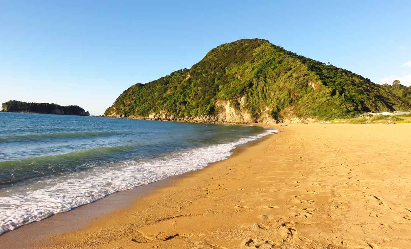 La teinte orangée du sable s'explique par la présence d'oxyde de fer.