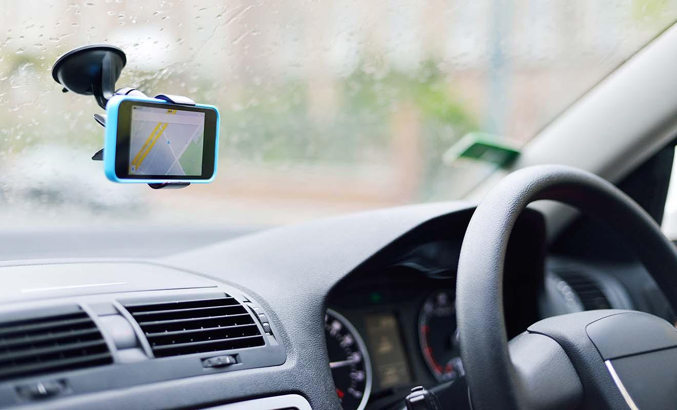 Même si le réseau routier n'est pas complexe, le GPS apporte un confort et permet de rester concentrer sur la route, ce qui est idéal dans un pays où l'on roule à gauche.