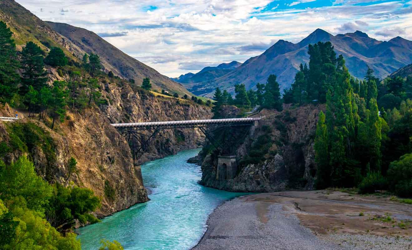 Il s'agit du pont que vous empruntez pour rejoindre Hanmer Springs.