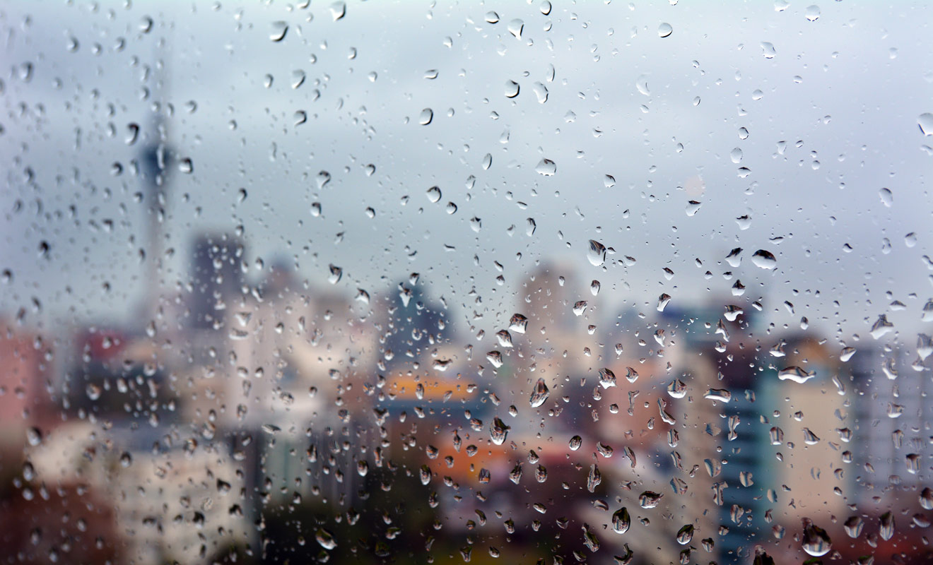 Pour limiter l'influence de la météo sur votre séjour, il faut éviter de réserver par le biais d'une agence de voyages, et préférer la solution préconisée par Kiwipal, à savoir la réservation via le site de booking.com. Vous serez alors libre d'annuler vos réservations sans frais si la météo fait des siennes.