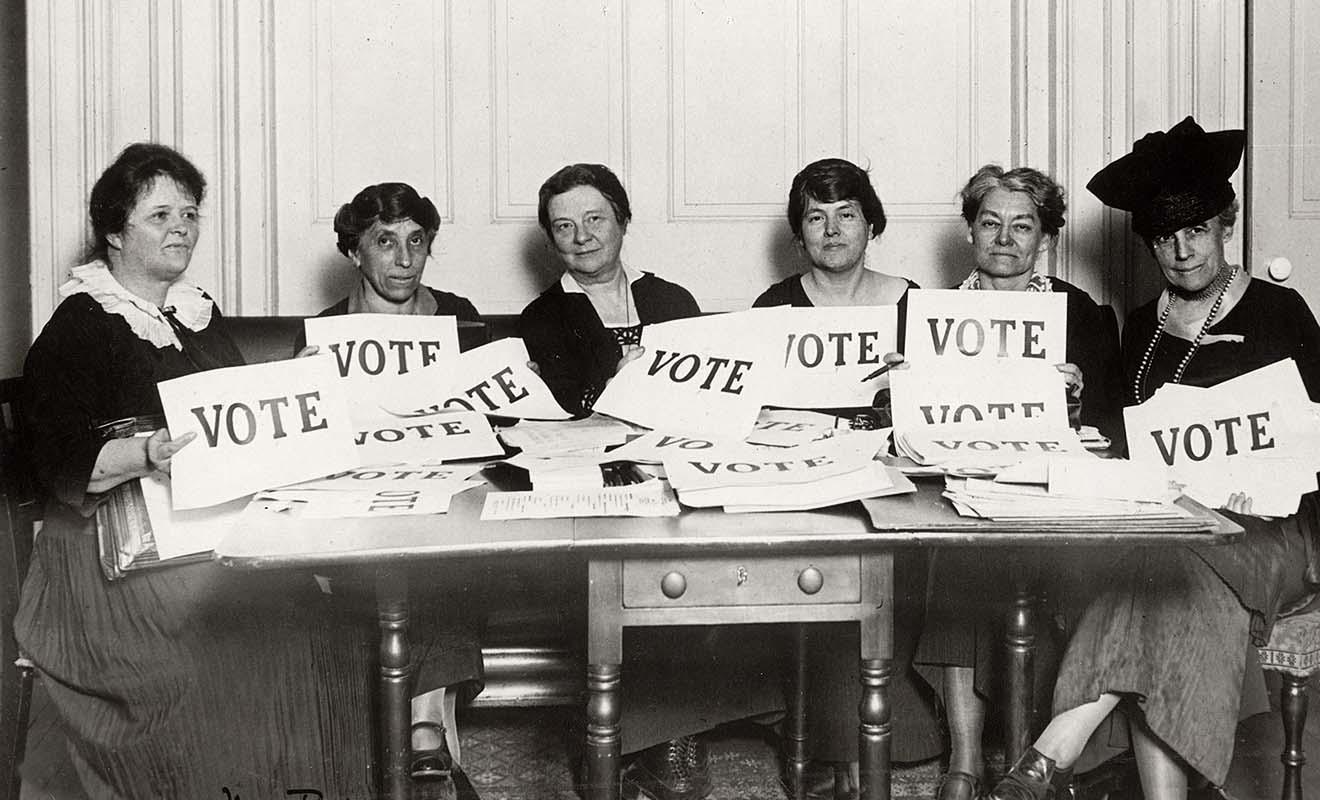 La Nouvelle-Zélande fut le premier pays au monde à accorder le droit de vote aux femmes, et il faudra attendre un demi-siècle de plus pour que le reste du monde suive le mouvement.