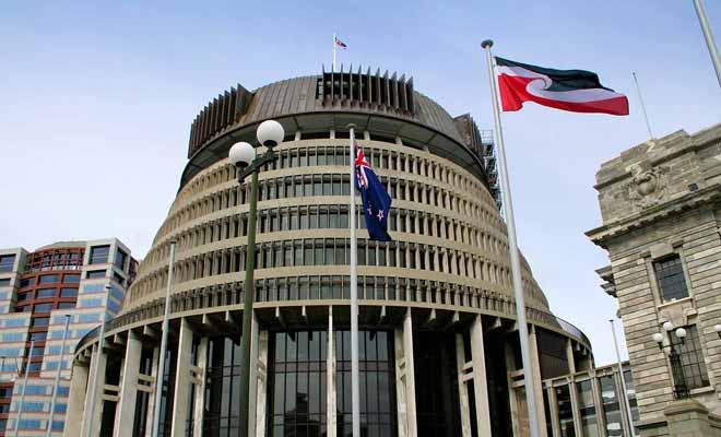 La communauté maorie possède sa propre chaîne de télévision, et l'apprentissage de sa langue connaît un regain de popularité.