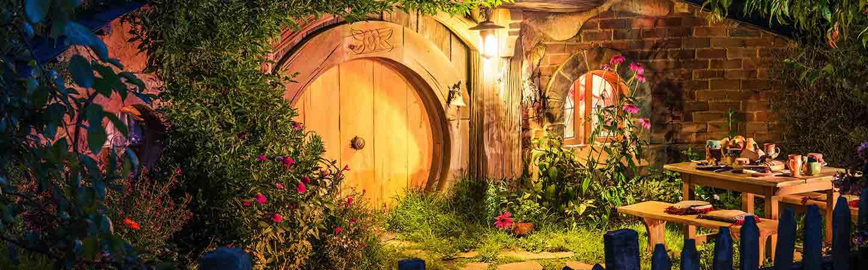 visitez hobbiton le village reconstitu du seigneur des anneaux en nouvelle z lande. Black Bedroom Furniture Sets. Home Design Ideas