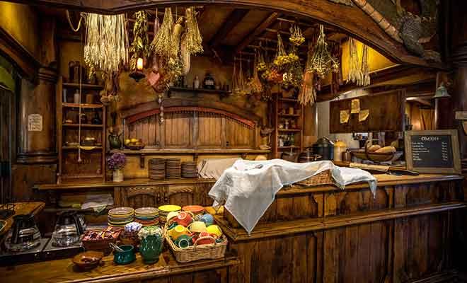 Votre visite du village vous donne droit à une consommation à l'auberge du Dragon Vert. Les visiteurs ont le choix entre la bière ou le cidre.