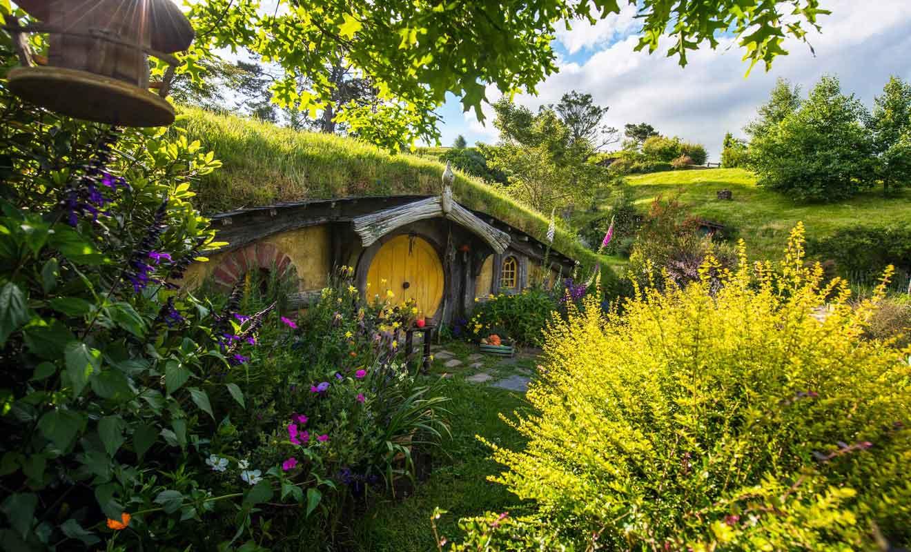 Hobbiton est sans nul doute le plus beau décor de cinéma au monde.