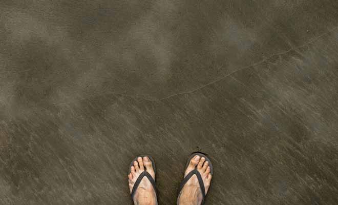 Le sable fume par endroits, vous savez ce qu'il vous reste à faire. Mais prenez garde de ne pas vous bruler, l'eau est à 66°C !