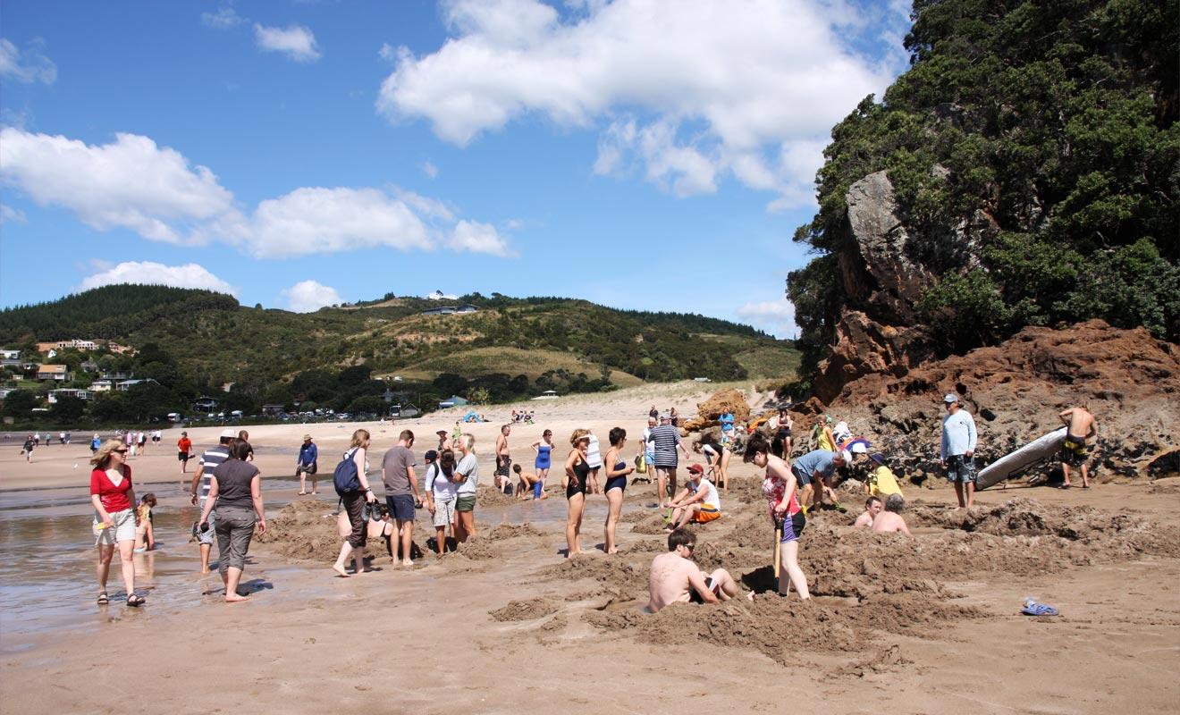Lorsque la plage est bondée, la question de savoir où creuser ne se pose plus... Vous perdrez le plaisir de la chasse au trésor.