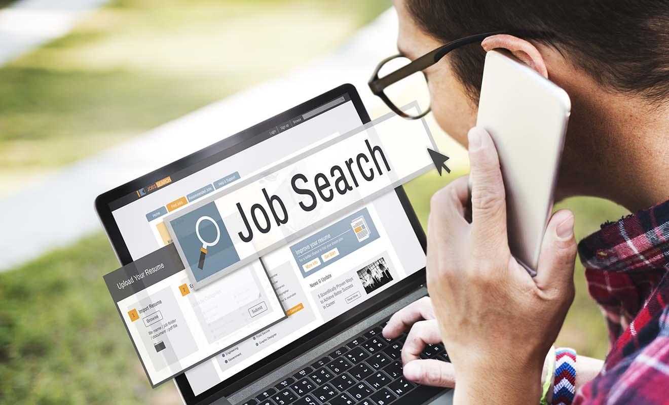 Avant même d'envisager de demander un visa, il faut déjà avoir trouvé du travail, ce qui est plus facile à dire qu'à faire !
