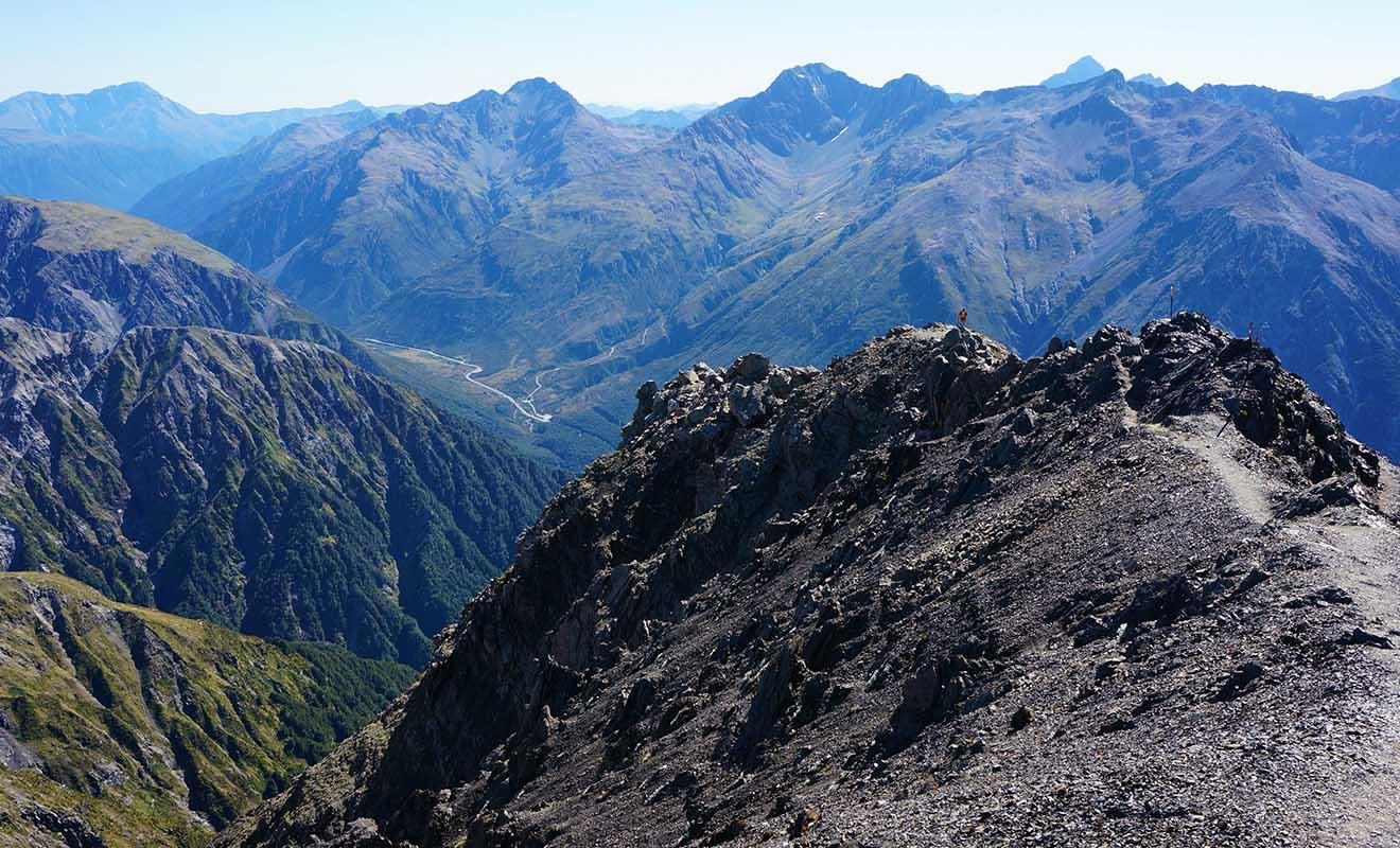 Certaines randonnées en altitude demandent du cran, surtout quand on souffre du vertige !