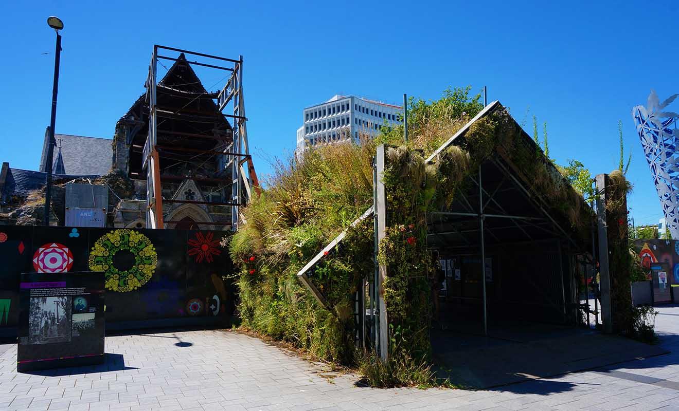 Ravagé par deux séismes consécutifs, le centre-ville de Christchurch est un chantier à ciel ouvert, mais les habitants n'ont pas perdu espoir.
