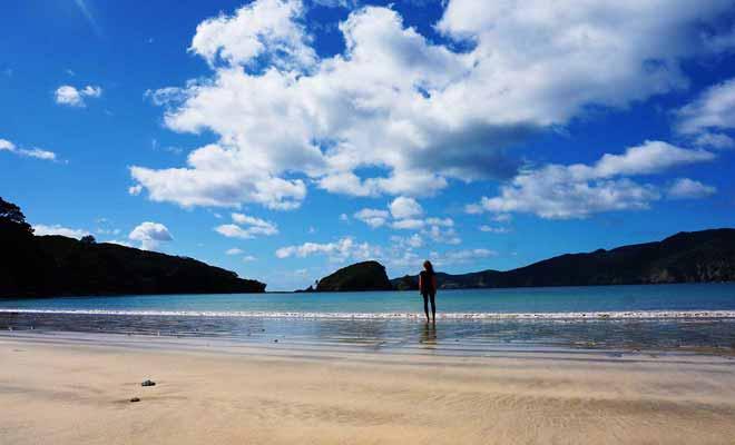 Partir seule à l'étranger est déjà un défi en soi, mais le faire durant une année entière demande beaucoup de force mentale.