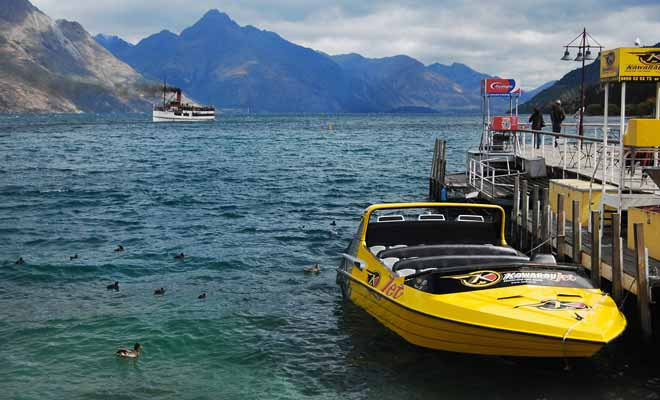 Queenstown is the world capital of jetboat with no less than five different companies that explore not only Lake Wakatipu but also the rivers of the Central Otago region.