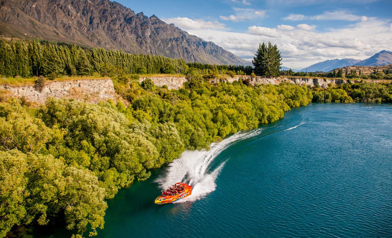 Thunderjet est la compagnie qui offre la plus longue sortie en jetboat de Nouvelle-Zélande, mais l'itinéraire emprunté n'est pas le plus spectaculaire de tous hélas.