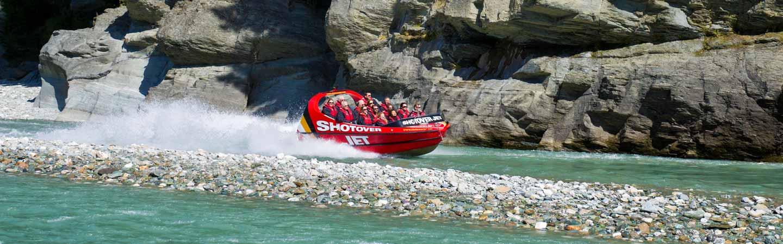 Embarquez à bord d'un jetboat pour explorer des canyons.