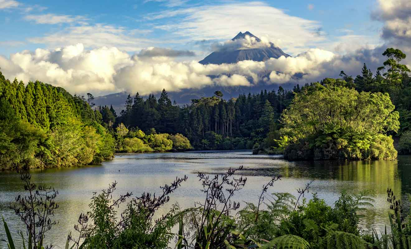 Ce lac jadis interdit au public accueille désormais randonneurs et cyclistes.