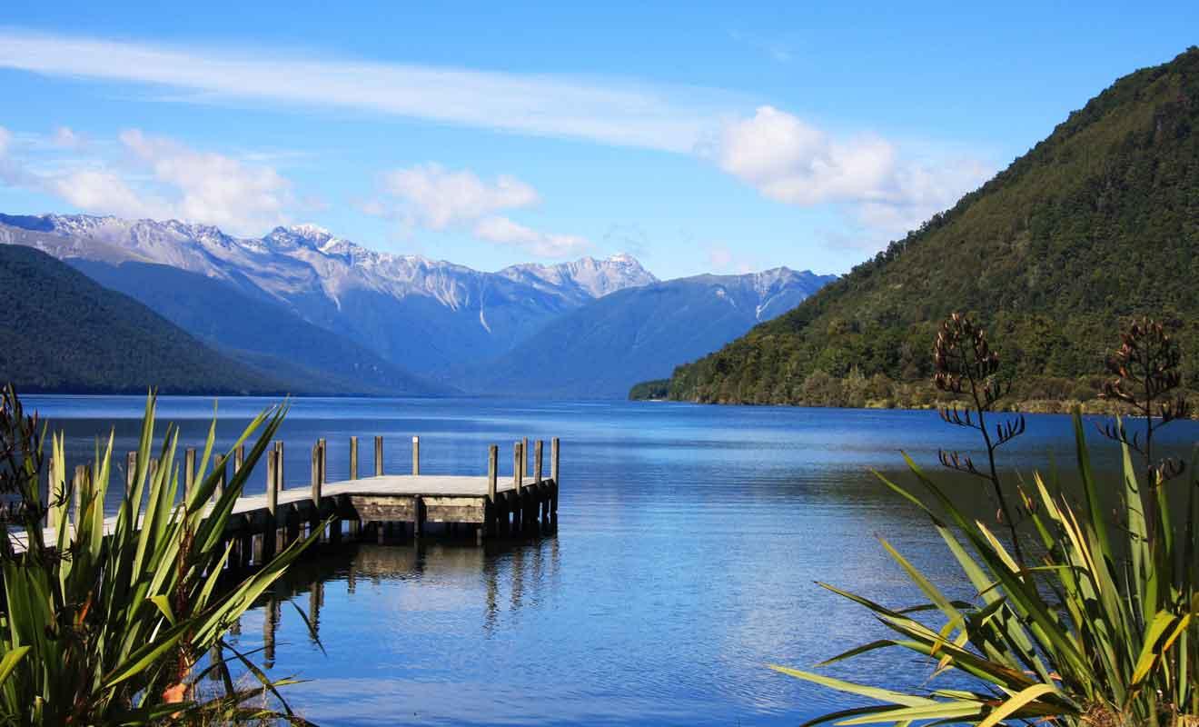Vous devrez emprunter une route secondaire pour rejoindre l'autre grand lac de la région.