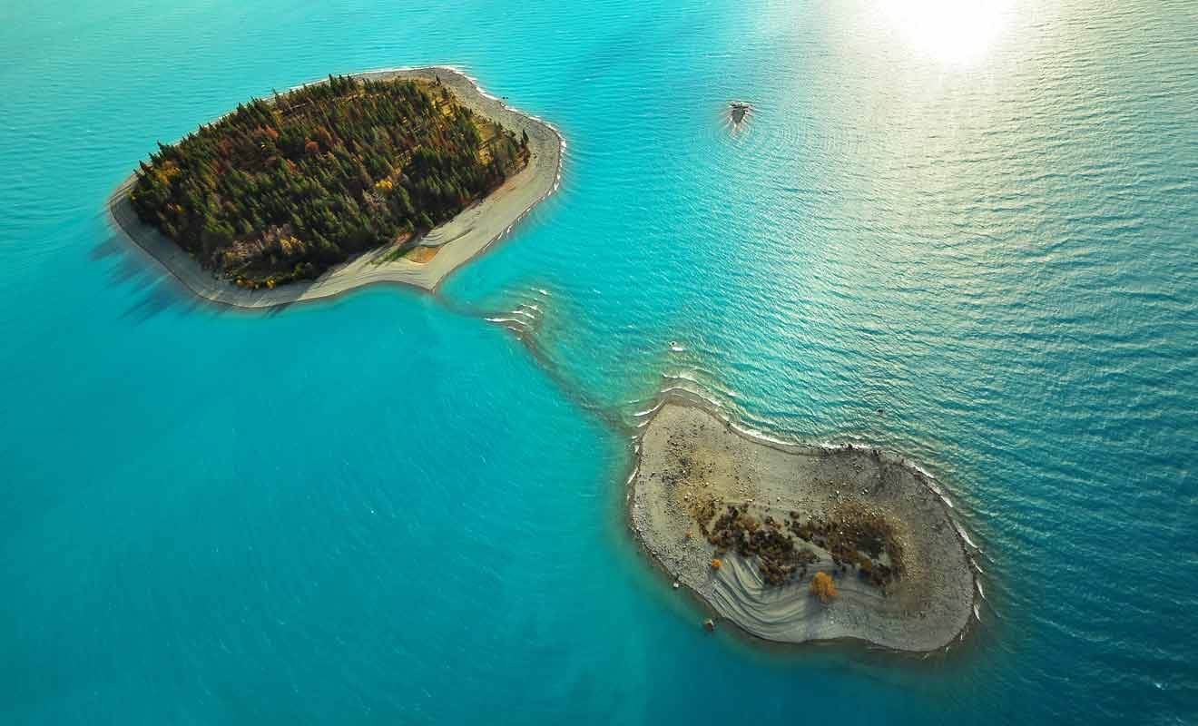 Même si la teinte turquoise est un peu moins prononcée qu'au lac Pukaki, elle n'en est pas moins spectaculaire.