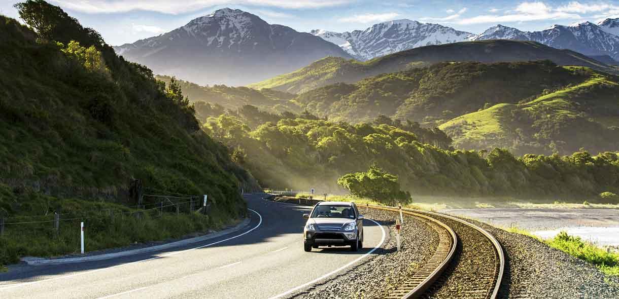 Louez votre voiture routière, compacte ou berline en Nouvelle-Zélande.