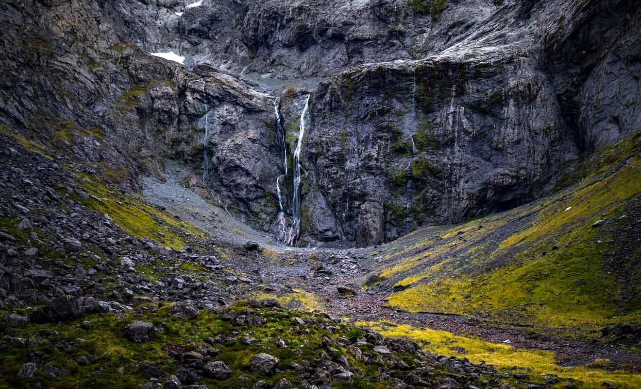La région du Fiordland est constituée de forêts et de montagnes pratiquement infranchissables.