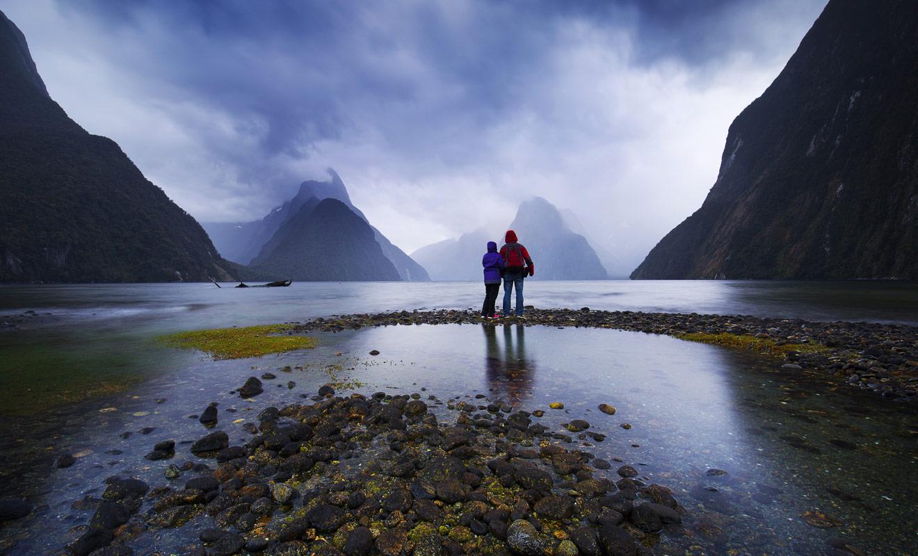 Les vacances les plus réussies sont celles où l'on se sent enfin libre. La meilleure manière d'y parvenir consiste à organiser son séjour sans agence de voyages pour ne pas mettre ses pas dans ceux des milliers de touristes qui vous ont précédé. Soyez un voyageur et non un touriste, et vous découvrirez la Nouvelle-Zélande authentique.