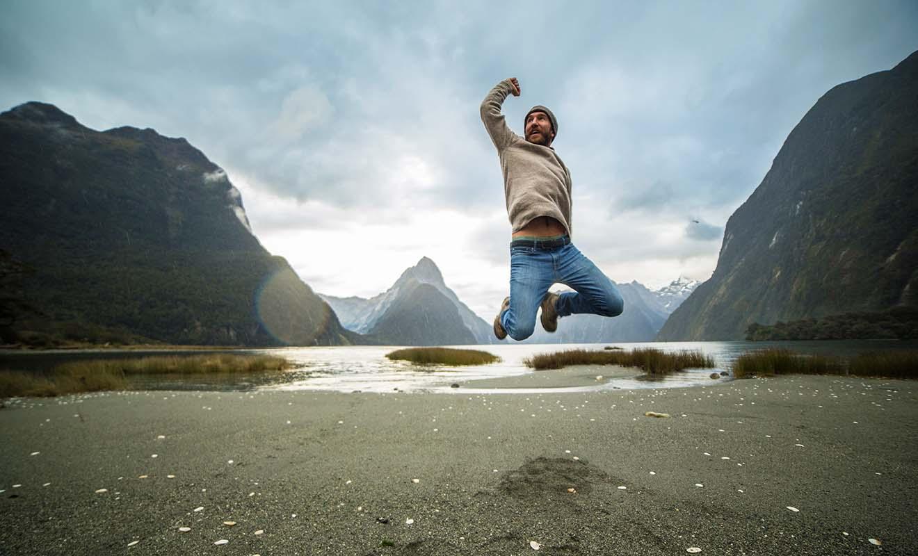 Le visa vacances travail permet de travailler et d'étudier en Nouvelle-Zélande durant une année entière.