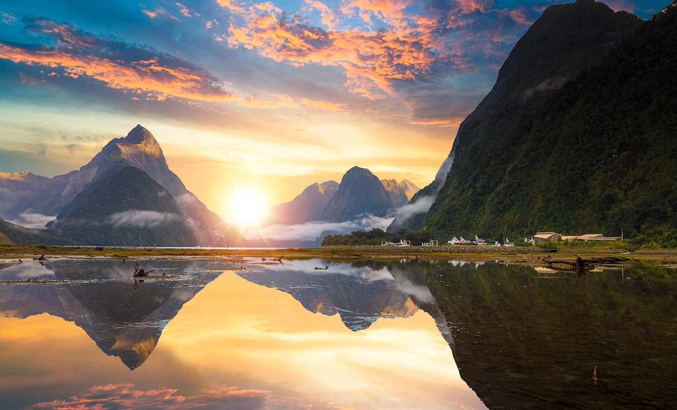 Certes, mais le Milford Sound est un très beau paysage ! Mais les agences de voyages ont tellement utilisé son image qu'il en est presque devenu banal ! Si le fjord reste fantastique, ce n'est pas la seule visite incontournable du pays.