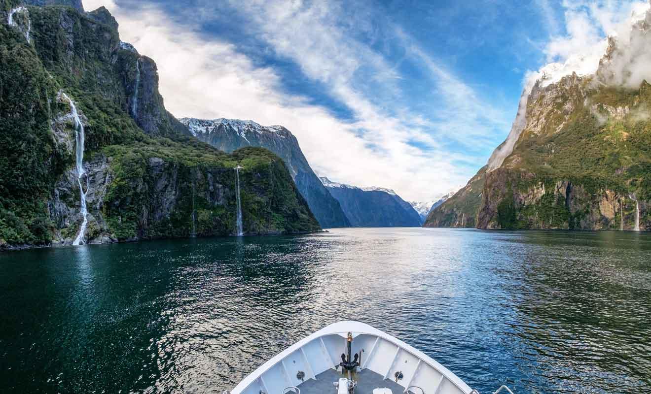 Contrairement à ce que son nom indique, le Milford Sound n'est pas une vallée submergée par la mer, mais bel et bien un fiord.