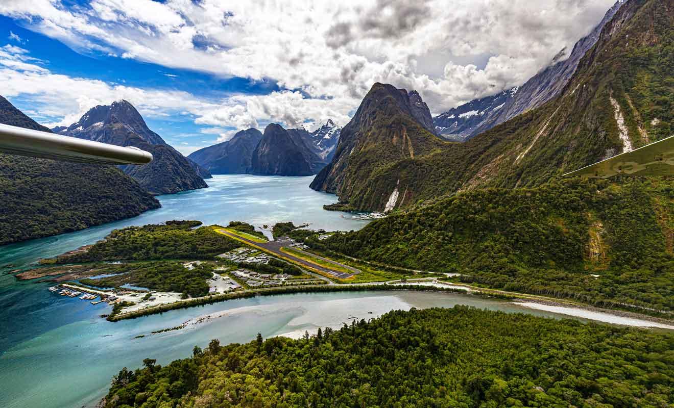 Avec plus d'un million de visiteurs chaque année, le fjord est la première destination touristique du pays.