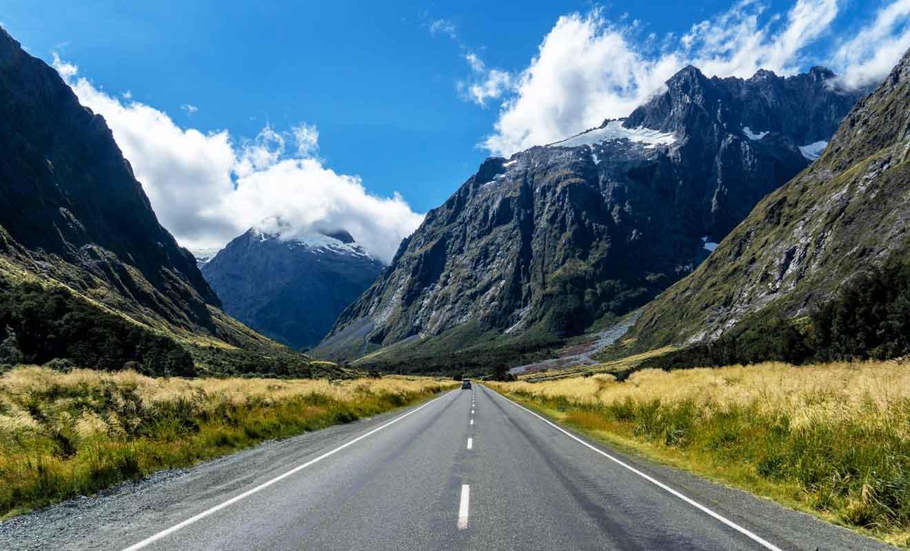 Avec de nombreuses visites sur l'ensemble du parcours, la State Highway 94 est la plus belle route du pays.