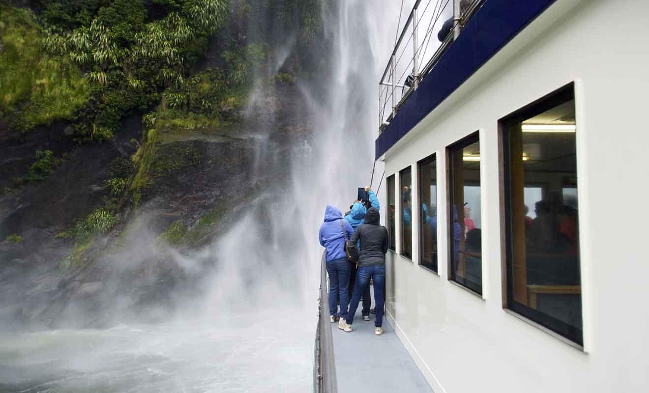 Il faut éviter de venir entre 11h et 15h quand le nombre de touristes est le plus élevé.