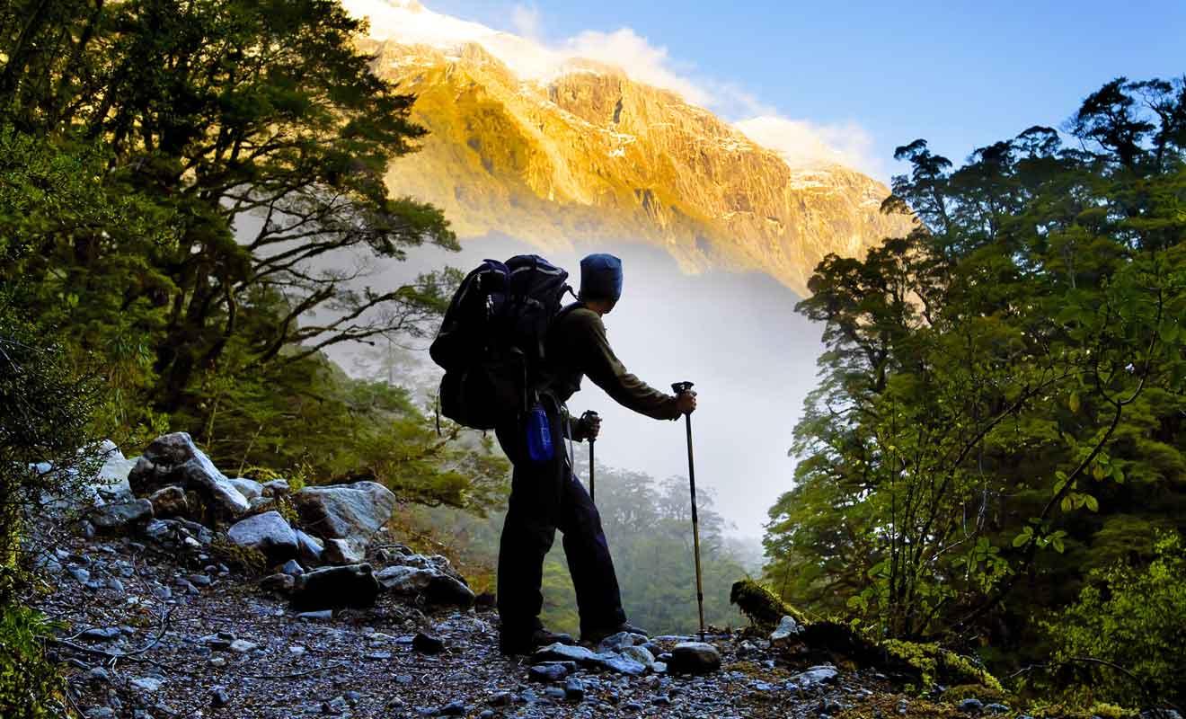 Même si la piste est assez facile à suivre dans l'ensemble, elle comporte quelques passages délicats à flanc de montagne.