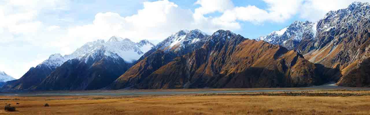 Les falaises abruptes sont propices aux avalanches.