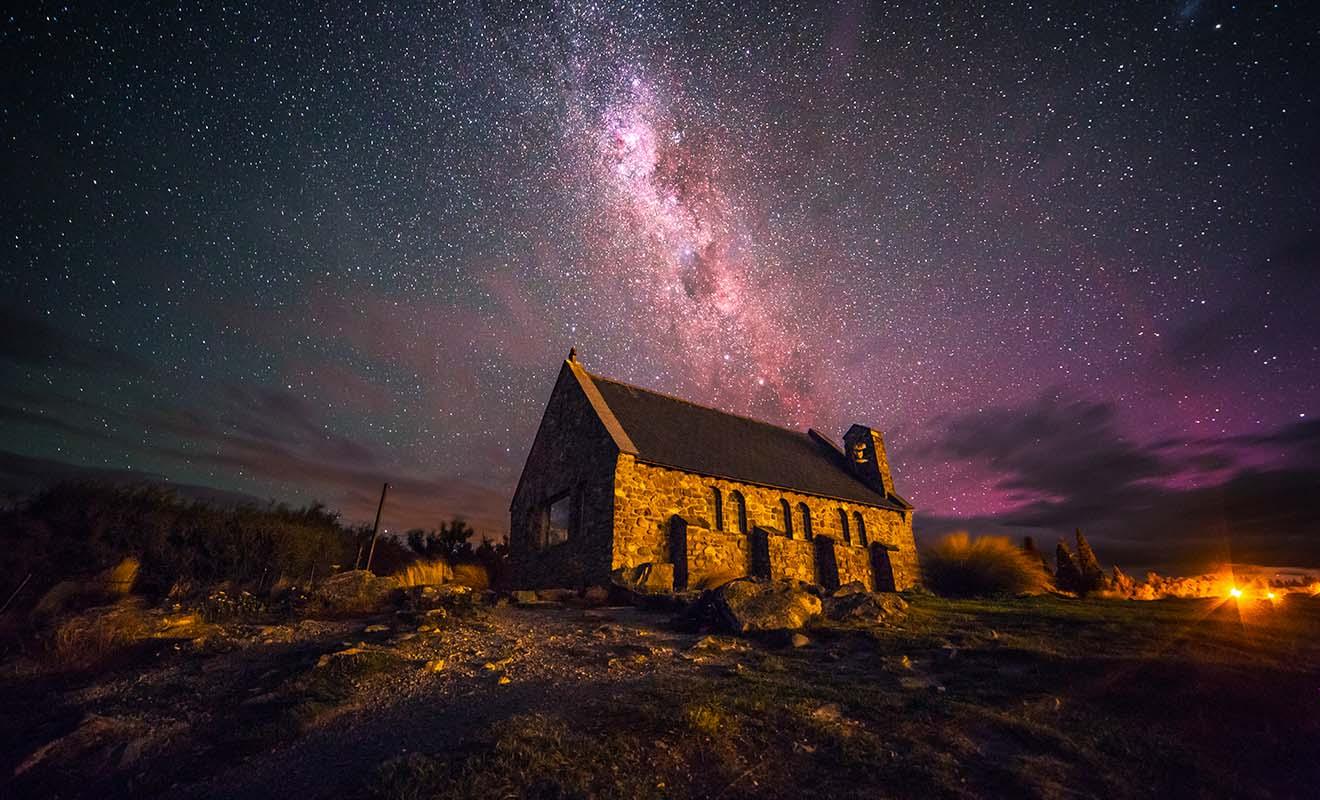 Les environs du mont Cook sont recommandés si vous voulez admirer les étoiles, et l'on y trouve même un observatoire qui accueille les visiteurs.